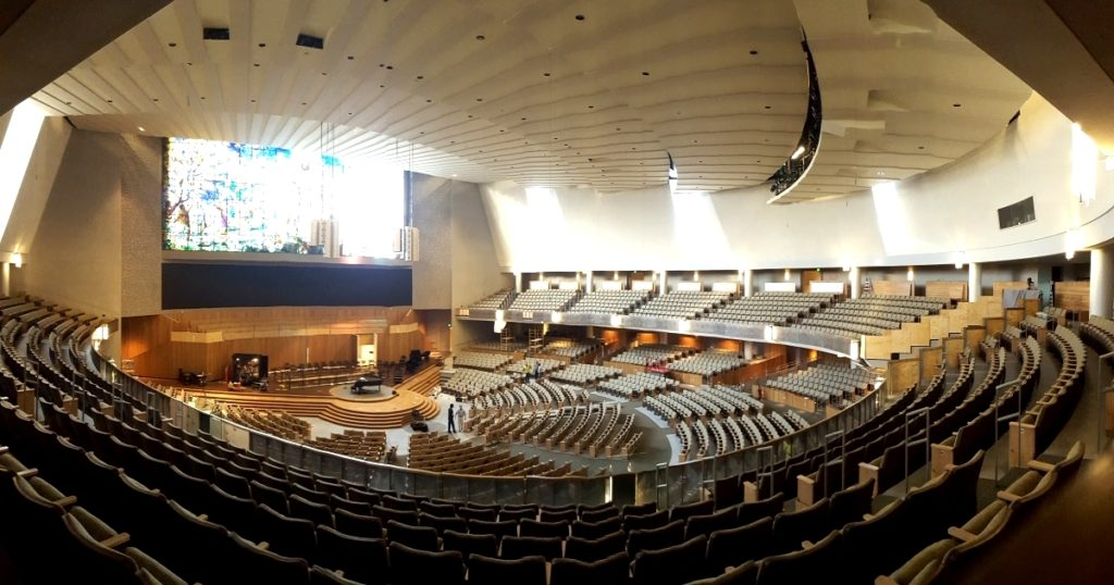 3500 seat Church of the Resurrection